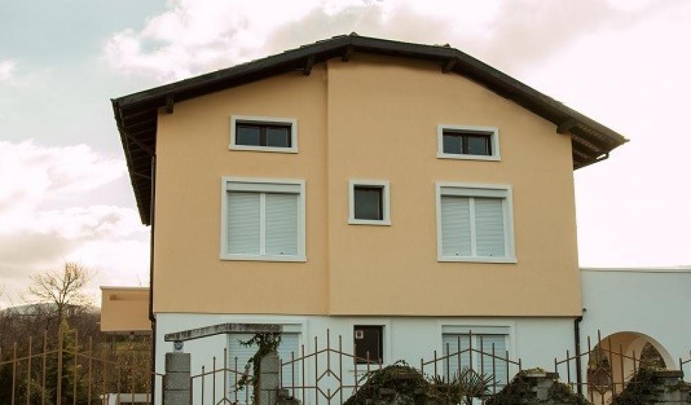 Къщи за гости, Вили и Апартаменти - Къща под наем ВЕЛИБАШ
