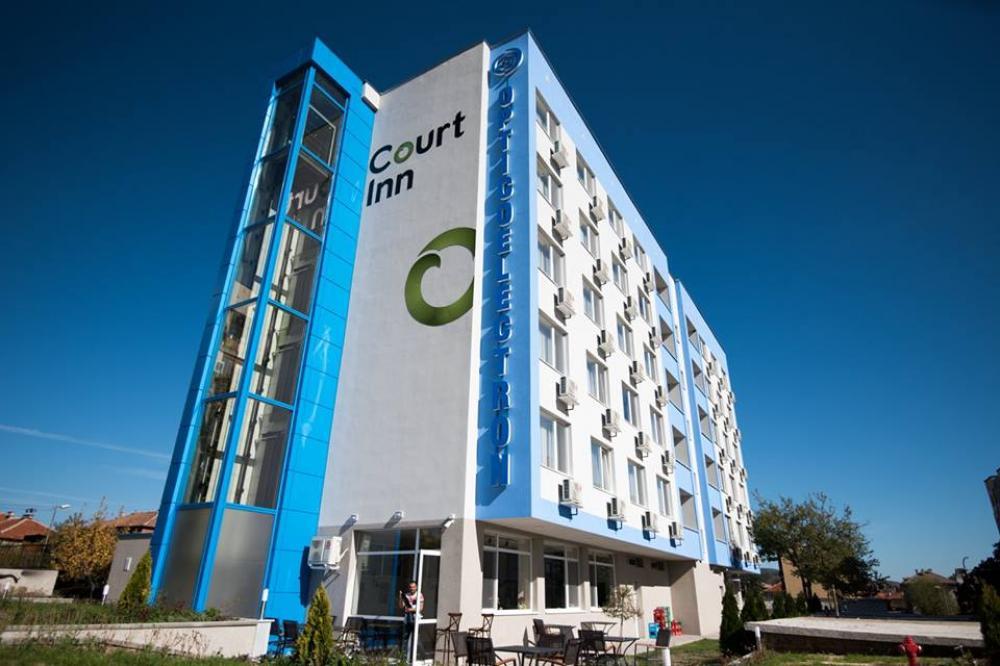 Хотели - Court Inn - настаняване и апартаменти