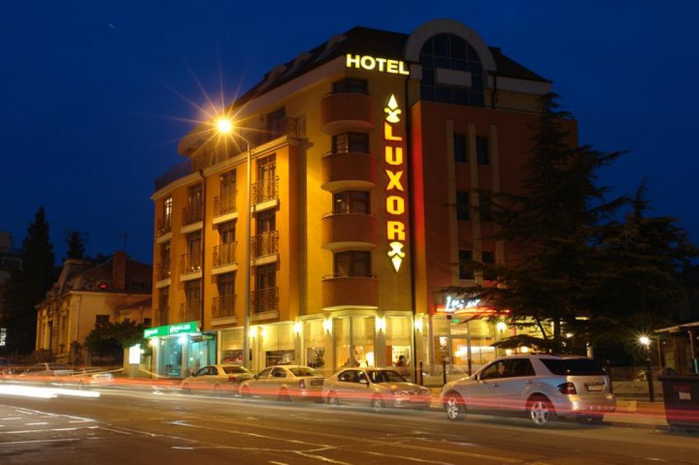 Хотели - Хотел LUXOR